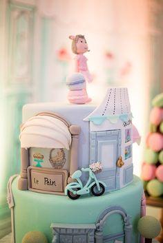 Festa infantil inspirada na pâtisserie Ladurée - Constance Zahn Sweet Birthday Cake, Baby Girl Birthday Cake, Birthday Cakes For Women, Cakes For Men, Building Cake, Bolo Paris, Beautiful Cake Designs, Paris Cakes, Baking Party