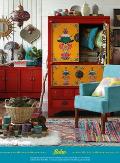 The bohemian look throws all the interior decorating rules out the window. When you embrace boho home decor, you get to decorate however you want. This style is relaxed and unique, and relies heavily on styles from different cultures. Hippie Chic Bedrooms, Hippie Chic Decor, Boho Decor, Boho Chic, Boho Hippie, Bohemian Bedroom Design, Bohemian House, Bohemian Interior, Look Boho