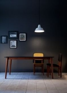 table année 50 noire TABLE // SALLE A MANGER