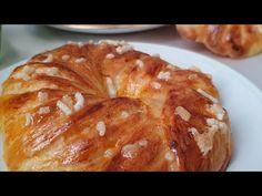 Brioche sfogliata super semplice 💯 - YouTube Sweet Buns, Biscotti, Chocolate Hearts, Croissants, Sweet Bread, Bagel, Cake Recipes, Brunch, Food And Drink