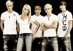 The Lynch part of R5. From L to R. Riker, Rydel, Ryland, Ross, and Rocky.