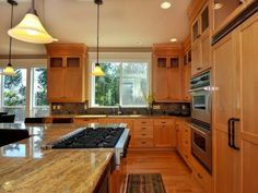 Portland Area Residential: Gourmet Eat-In Kitchen With Adjoining Dining Area and Built-Ins
