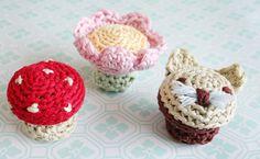 I wish someone would make me the toadstool :) All Free Crochet, Cute Crochet, Easy Crochet, Crochet Gifts, Crochet Toys, Knitting Patterns, Crochet Patterns, Crochet Home Decor, Crochet Kitchen
