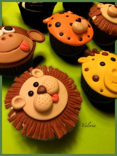 Cupcake zoo 1st Birthday Cupcakes, Christmas Cakes, Cupcake Ideas, Cup Cakes, Kids Meals, Muffins, Projects To Try, Butter, Foods