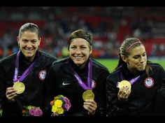 Nicole Barnhart, Abby Wambach, Alex Morgan. (Christopher Hanewinckel/USA TODAY Sports)