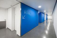 Laboratorio Central EPAL at Lisboa, by Gonçalo Byrne