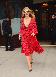 A #Dress Pop Moment: #BlakeLively Wearing Michael Kors in NYC during #NYFW