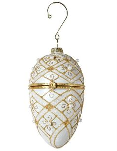 Egg Crafts, Faberge Eggs, Egg Shape, Christmas Tree, Christmas Ornaments, Bauble, Gold Beads, Small Gifts, Gold Glitter