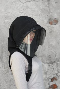♥ All my orders ship EXPRESS only >> buy your piece today & have it within 1-3 days upon shipping ♥  With its 360° protection, this hooded face shield will make you feel totally secure while shopping, travelling or taking a walk.  Combined with a face mask or bandana, droplets and dust have little Bandana, Full Face Mask, Diy Face Mask, Face Masks, Diy Masque, Head Mask, Clear Face, Fashion Face Mask, Looks Cool