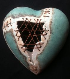 Items similar to Heart wall plaque ceramic stiched with wire, green and copper on Etsy Ceramic Pottery, Ceramic Art, Ceramic Jewelry, Ceramics Projects, Clay Projects, Clay Tiles, Heart Wall, Paperclay, Kintsugi
