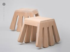 Reminiscent of a spider, Itty Bitty triggers a sense of playfulness based on the subconscious habitual need to fidget in our seats.The feet of Itty Bitty are designed in an arc, allowing a gentle a…