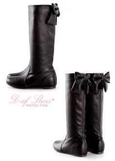 Amazing winter boots (with bows)!