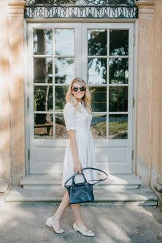 Styling this new gal meets glam beatrice shirtdress with a pair of ferragamos and a navy handbag for end of Summer and Fall. Preppy Style, My Style, Gal Meets Glam, End Of Summer, Office Fashion, Office Outfits, Warm Weather, Style Guides, Spring Summer Fashion