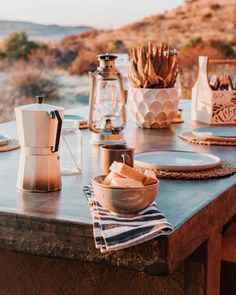 Planning a massive road trip to South Africa? Don't miss out on spending a night at the beautiful Eco Karoo Lodge. Situated in the heart of the Karoo semi-desert, it's the perfect pit stop while you drive between Johannesburg and Cape Town. | Where to stay in South Africa | South Africa travel tips | #southafrica #karoo #travel #hotelreview