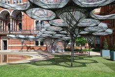 Nova instalação do Victoria and Albert Museum explora a biomimese na arquitetura,© NAARO via the V&A