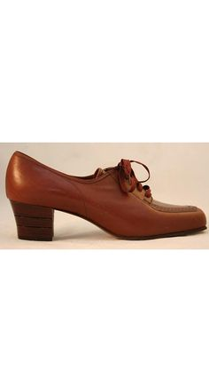 Smart 1950s Chestnut Leather Oxfords  Size 8 1/2 N by vintagevixen, $37.99