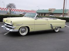 ✿1953 Ford Sunliner Convertible✿..Re-pin...Brought to you by #CarInsurance at #HouseofInsurance in Eugene, Oregon