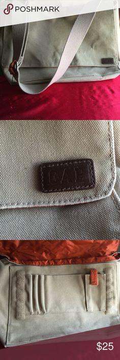 Gap bag Like new GAP Bags