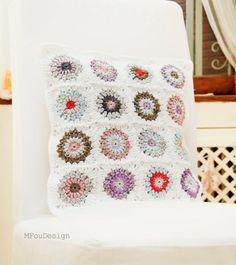 granny square crochet pillow case / wiosenna szydełkowa poszewka na poduszkę
