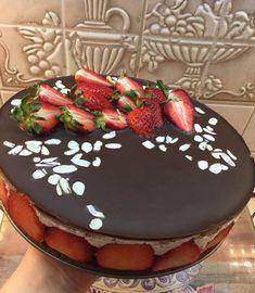 Éhezésmentes karcsúság Szafival - Szafi Reform szénhidrátcsökkentett eperkrémes torta Paleo, Birthday Cake, Drink, Recipes, Food, Birthday Cakes, Rezepte, Essen, Drinking