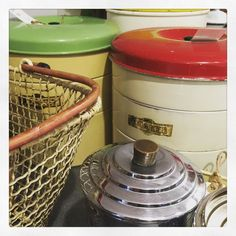 Getting ready for @popupfairs tomorrow! #vintage #vintagefair #vintagelife #vintagehome #homestyle #homeinterior #homesweethome #kitchenalia #vintageshop #eastgrinstead #sussex