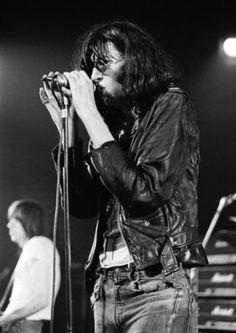 Joey Ramone Live
