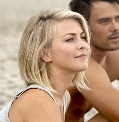 Short blonde (Katie from Safe Haven)