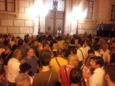 Dante Alighieri ? Oggi sarebbe un blogger protesta davanti il municipio a palermo a palazzo delle aquile
