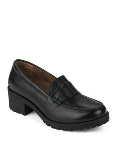 Eastland Women Newbury Penny Loafer - B Tan Loafers, Penny Loafers, Low Block Heel Pumps, Wardrobe Planner, Eastland Shoes, Most Comfortable Shoes, Shoes Heels Pumps, Loafers For Women, Black 7