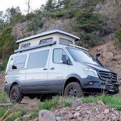 Sportsmobile ~ J'en veux un! Mercedes Sprinter Camper, Sprinter Rv, Sprinter Conversion, Camper Conversion, 4x4 Camper Van, Camper Van Life, Off Road Camper, Adventure Car, Adventure Trailers