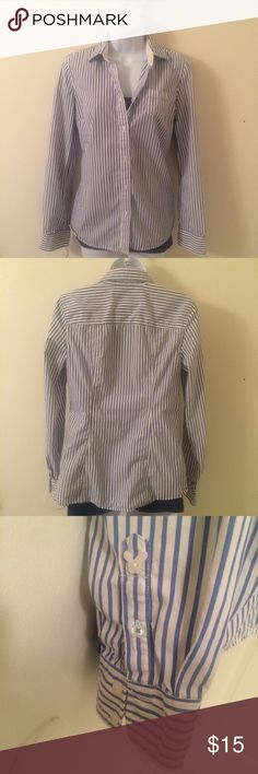 AE button down shirt. AE button down shirt. In very good condition. No rips or holes. American Eagle Outfitters Tops Button Down Shirts
