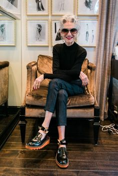 Linda Rodin Read about Is there anyone who's your style opposite that you just love? from Guest of a Guest on February 2016 Older Women Fashion, Fashion Over 50, Look Fashion, Womens Fashion, Fashion Trends, Looks Style, Style Me, Your Style, Street Style Vintage