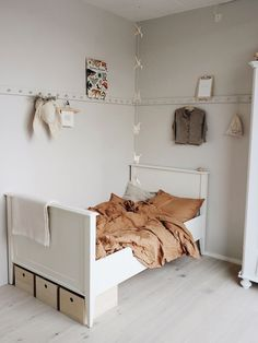 Scandinavian bedroom kids designs are indeed extremely appealing and comfy. So, if you do not have a Scandinavian bedroom kids, what are you awaiting, quickly invoke your room. Kids Bedroom Sets, Small Room Bedroom, Small Rooms, Bedroom Decor, Kids Rooms, Bedroom Ideas, Childrens Bedroom, Bedroom Lamps, Bedroom Lighting