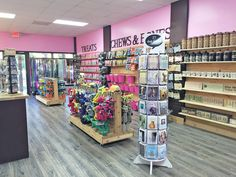 Woof Gang Bakery Unleashes New Pet Retail Store and Grooming Location in Hilton Head Island, South Carolina Dog Grooming Shop, Dog Grooming Salons, Pet Food Store, Pet Store, Pet Boutique, Boutique Ideas, Wags And Whiskers, Greyhound Rescue, Kennel Ideas
