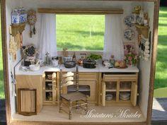 Miniature maison de poupée cuisine RoomBox avec la fenêtre