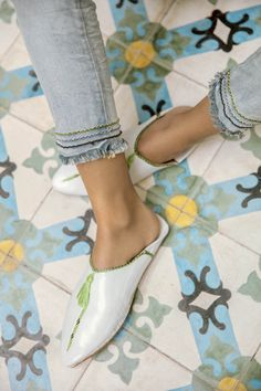 Slippers, Flats, Inspiration, Summer, Shoes, Fashion, Fashion Styles, Schmuck, Loafers & Slip Ons