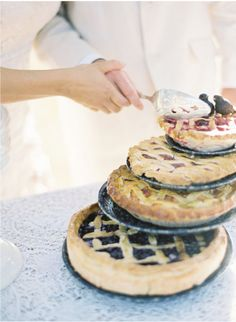 Alternatives to a Traditional Wedding Cake That Your Guests Will Love! – Mon… Alternatives to a Traditional Wedding Cake That Your Guests Will Love! Alternative Wedding Cakes, Wedding Cake Alternatives, Pie Bar Wedding, Wedding Ideas, Wedding Stuff, Wedding Things, Dream Wedding, Wedding Desserts, Wedding Planning