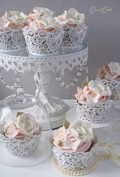 Gorgeous white lace wedding cupcakes with edible sugar flowers and butterflies. Bridal / wedding shower or tea part cupcake ideas. Tolle Cupcakes, Lace Cupcakes, Wedding Cupcakes, Cupcake Cookies, Wedding Cake, Cupcake Art, Floral Cupcakes, Wedding Bouquet, Butterfly Cupcakes