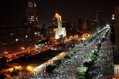 Av. Presidente Vargas tomada por mais de 1 milhão de pessoas no protesto de 20/06/2013 no centro do Rio de Janeiro.