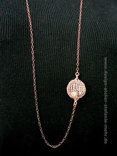 "necklace with wire crochet ""BUBBLE"" - Kette rosé vergoldet mit gestrickter ""Kugel"" aus Draht von smdesignatelier auf Etsy https://www.etsy.com/de/listing/285795363/necklace-with-wire-crochet-bubble-kette"