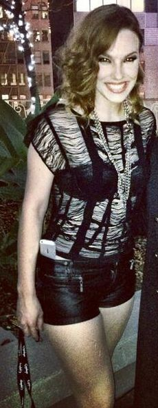 Lzzy Hale ✾ of Halestorm Lzzy Hale, Rocker Chick, Halestorm, Female Guitarist, Taylor Momsen, Rock Outfits, Metal Girl, Beautiful People, Celebs