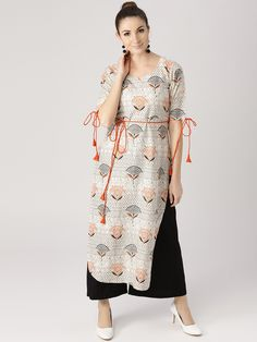 Indian Fashion Dresses, Indian Designer Outfits, Kimono Fashion, Designer Dresses, Kurti Back Neck Designs, Printed Kurti Designs, Sleeves Designs For Dresses, Kurta Designs Women, Kurti Designs Party Wear