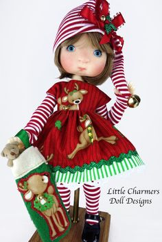 Tella Christmas dress for Meadowdolls by CharmersDollDesigns Christmas Angel Ornaments, Christmas Elf, Christmas Colors, Christmas Crafts, Tiny Teddies, Toddler Girl Gifts, Little Charmers, Christmas Floral Arrangements, Felt Stocking