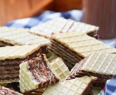 Wafle z masą kakaową Dessert Recipes, Desserts, Bread, Cookies, Baking, Sweet, Food, Tailgate Desserts, Crack Crackers