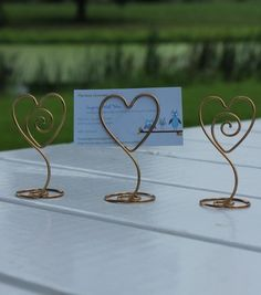 Holiday Ideas: DIY Wire Holders