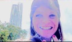 @Alessandra Amoroso un sorriso, è la cosa più normale!
