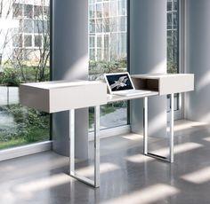 Esto Console/Bureau Table