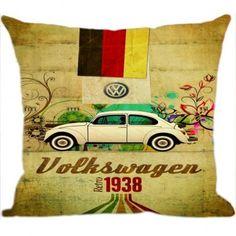 Inove na decoração com a Almofada Fusca 1938 que a Luisa Decor separou para você. Cada vez mais os casais estão inovando na decoração com almofadas de temas variados, deixando o ambiente harmonioso e diferente.Confira!