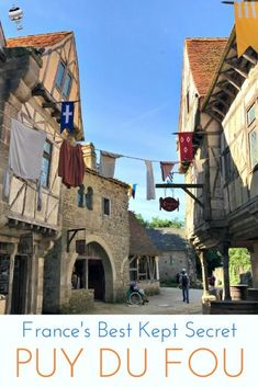 France's best kept secret! 5 things that will surprise you about Puy Du Fou, the country's second most visited theme park home to amazing shows, incredible stunts and breathtaking theatrics. I #globetotting #familytravel #travel #travelwithkids #kidslovetravel #France #PuyDuFou #ThemePark