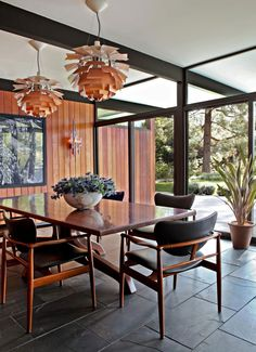Architecture, Simple Modern Dining Room Interior Decorating Ideas With Unique Pendant Lamp Wooden Table And Black Leather Armchair Marble Flooring Tile And Wood Wall Cladding Design: The Astonishing La Cañada Mid-Century Located in Los Angeles